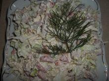 Sałatka z młodej kapusty z mięsem