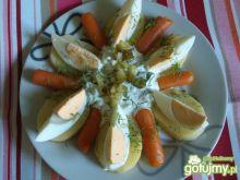 Sałatka z młodymi ziemniakami i sosem