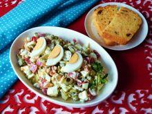 Sałatka z mozzarellą i oliwkami