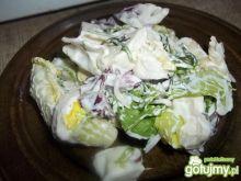 Sałatka z mozzarellą i selerem