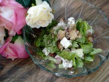 Sałatka z ogórkiem i serem feta