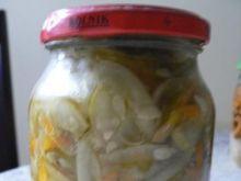 Sałatka z ogórków i marchewki