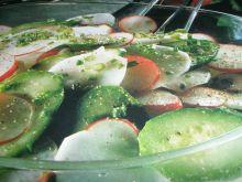 Sałatka z ogórków i rzodkiewki