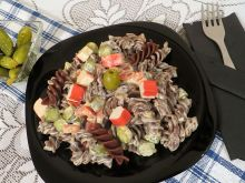 Sałatka z paluszkami z surimi