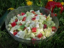 Sałatka z papryką i sosem koperkowo-musztardowym