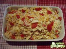 Sałatka z pekinki z kukurydzą i jajkami