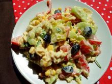 Sałatka z pierożkami tortellini i gorgonzollą