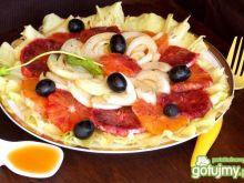 Sałatka z pomarańczy, fenkułu i oliwek