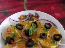 Sałatka z pomarańczy i czarnych oliwek