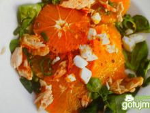 Sałatka z pomarańczy z makrelą