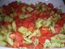 Sałatka z pomidora i ogórka