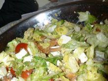 Sałatka z pomidorami i kurkami