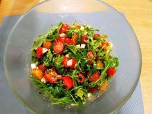 Sałatka z pomidorkami i serem ricotta