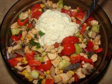 Sałatka z pomidorkami w sosie czosnkowym