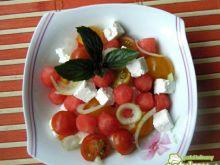 Sałatka z pomidorków, arbuza i sera
