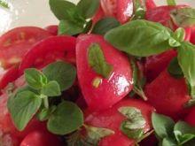 Sałatka z pomidorów, bazylii i oregan