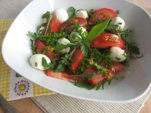 Sałatka z pomidorów i rukoli z mozzarellą