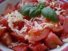 Sałatka z pomidorów z parmezanem