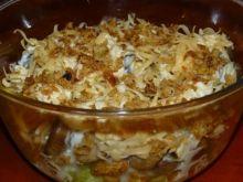 Sałatka z prażoną cebulką i kurczakiem