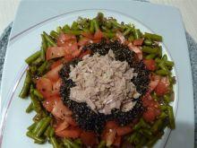 Sałatka z quinoa, komosą ryżową czarną