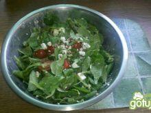 Sałatka z roszponką i pomidorami 2