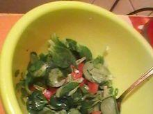 Sałatka z roszponką i pomidorem