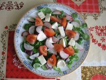 Sałatka z roszponką, mozzarellą i rzodkiewką