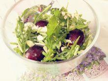 Sałatka z rukolą i winogronem