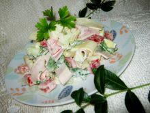 Sałatka z rukolą serem i warzywami