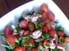 Sałatka  z rukolą, tuńczykiem i pomidorkami