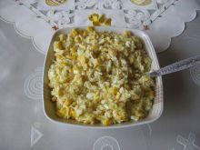 Sałatka z ryżem, ananasem i selerem konserwowym