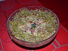 Sałatka z ryżem brązowym i brokułem