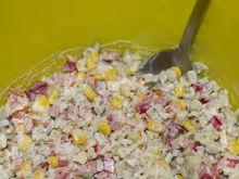 Sałatka z ryżem brązowym i warzywami