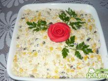 Sałatka z ryżem i piersią z kurczaka