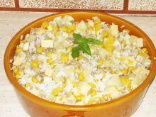Sałatka z ryżem i słonecznikiem