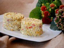 Sałatka z ryżem makaronowym i marynowaną pieczarką