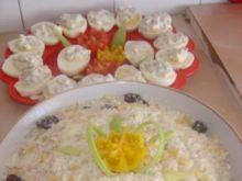 Sałatka z ryżem porem i ananasem