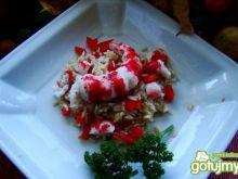 Sałatka z ryżu brązowego i kraba