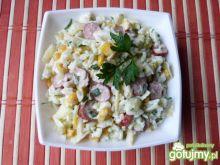 Sałatka z ryżu i kabanosów