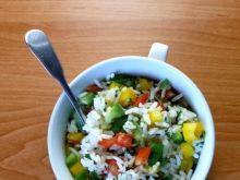 Sałatka z ryżu i papryki