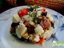 Sałatka z ryżu z tuńczykiem