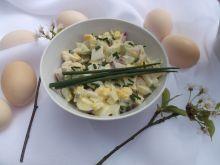 Sałatka z rzodkiewki, jajka i ogórka