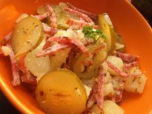 Sałatka z salami , ogórka i ziemniaków
