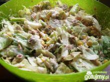 Sałatka z sałatą i tuńczykiem