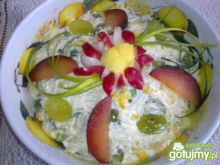 Sałatka z selerem i winogronem