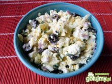 Sałatka z sera feta z oliwkami