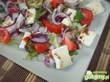 Sałatka z serem brie 3