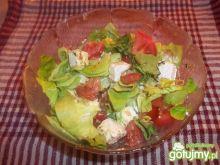 Sałatka z serem feta i pomidorami 2