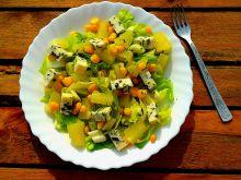 Sałatka z serem gorgonzola i ananasem