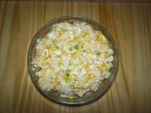 Sałatka z serem i ananasem